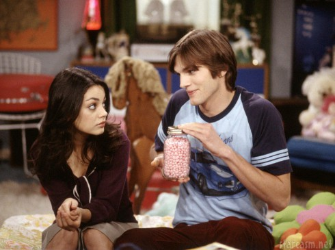 Ashotn Kutcher and Mila Kunis as Jackie and Michael onThat 70s Show