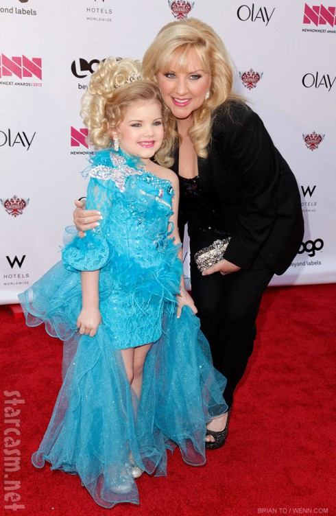 Toddlers and Tiara's Eden Wood with her mom Mickie Wood at the NewNowNext Awards