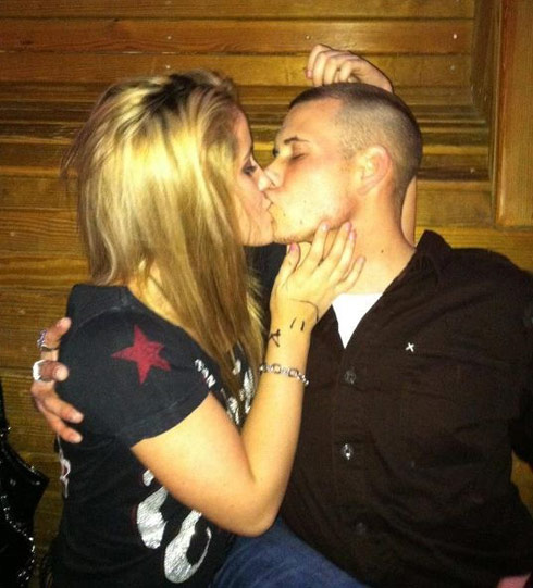 Teen Mom jenelle Evans and Marine boyfriend Gary Head kissing