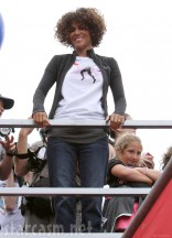 Halle Berry and her curly hair at the 2012 Revlon Run/Walk in Los Angeles