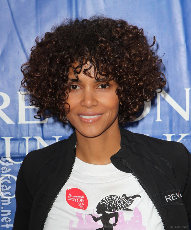 Photos Halle Berry S Curly Hair Extensions At 2012 Eif