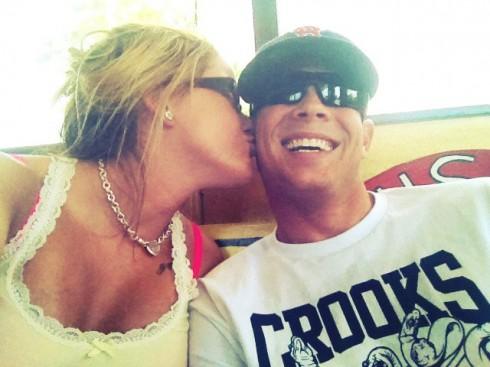 Jenelle Evans kissing Gary Head