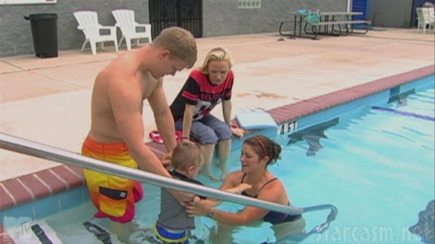 Maci Bookout and Kyle King teach Bentley to swim in Teen Mom Season 4 episode 1