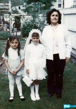 RHONJ's Kathy Wakile with sister Rosie Pierri and their rmom