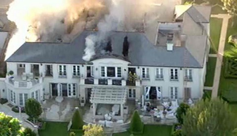 Lisa Vanderpump S Former Seven Bedroom 10 Bathroom Mansion In Beverly Hills Caught Fire On Friday Evening Even Though She No Longer Owns The Property