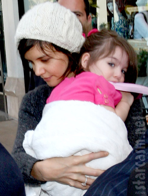 Katie Holmes files for sole custody of daughter Suri Cruise