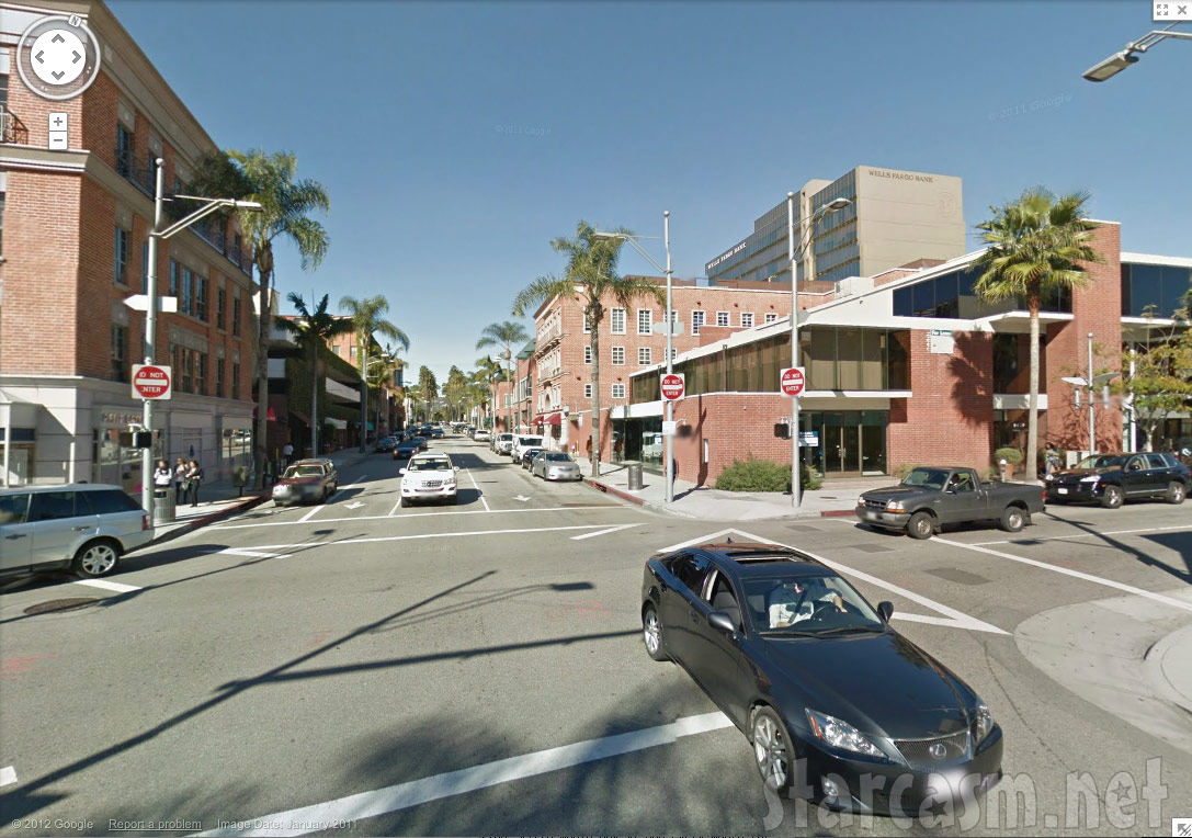 Kyle richards clothing store location