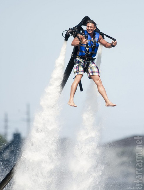 Jersey Shore star Pauly D flies around in a jet pack