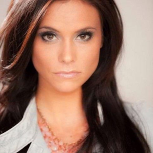 Modle Kara Ramos, girlfriend of The Bachelorette's Roberto Martinez