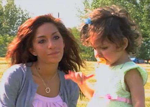 Farrah Abraham and Sophia visit Derek's grave