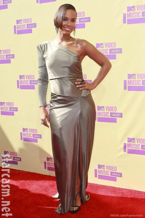 Alicia Keys 2012 MTV Video Music Awards red carpet photo