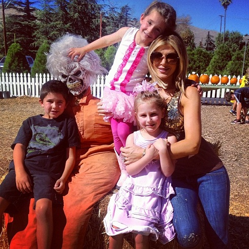 'Real Housewives of Orange County' star Alexis Bellino takes her children to the pumpkin patch