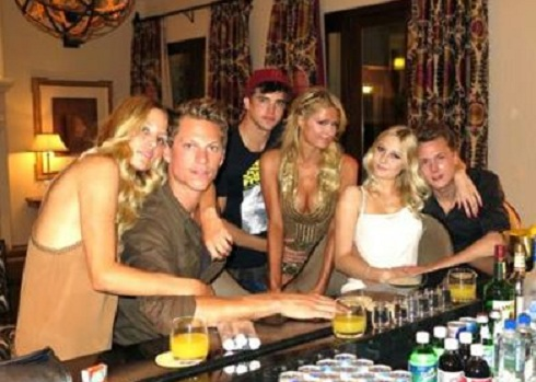 Paris Hilton and friends at the MGM Grand before her boyfriend's arrest