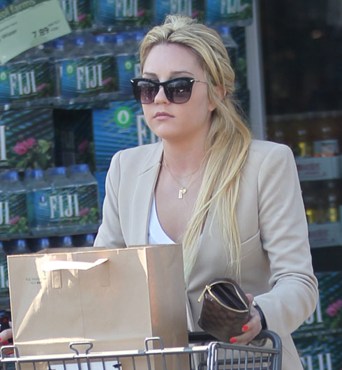 Amanda Bynes out in Los Angeles with blonde hair