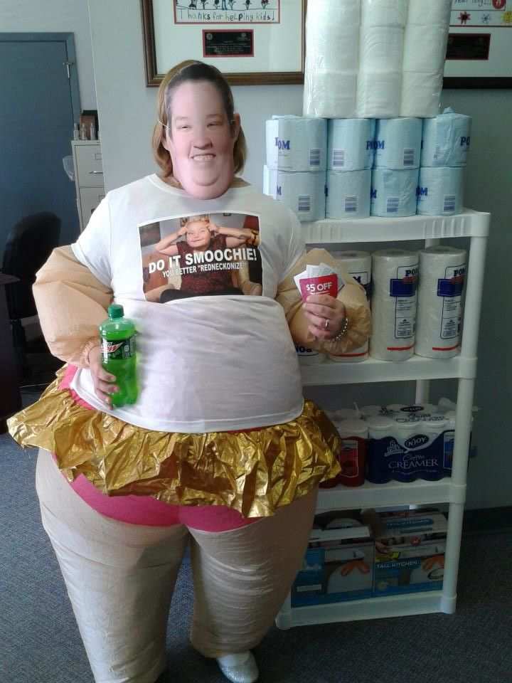 Here Comes Honey Boo Boo Halloween costume contest Juneu0027s pick  sc 1 st  Starcasm & PHOTOS Winners of the Official Honey Boo Boo Halloween costume ...