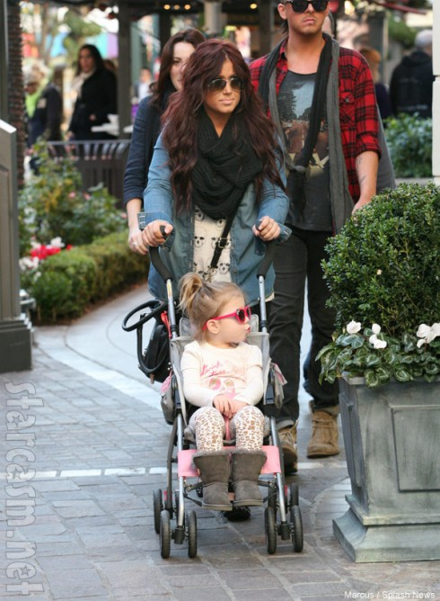 Teen Mom 2 Chelsea Houska and daughter Aubree in Hollywood
