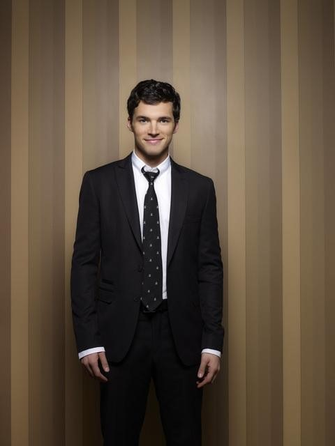 Ian Harding as Ezra Fits on Pretty Little Liars Season 3b