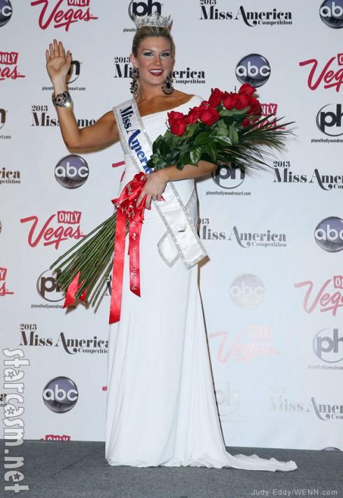 Mallory Hagan Miss America press conference with sash