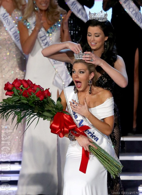 2013 Miss America Mallory Hagan crowned by 2012 Miss America Laura Kaeppeler