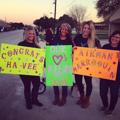'Teen Mom 2' star Kailyn Lowry holds signs for husband Javi Marroquin after Air Force training