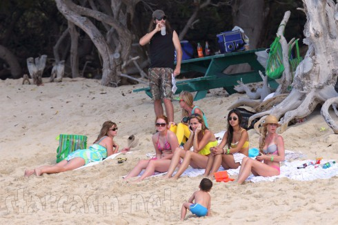 Duck Dynasty Robertson family in Hawaii Jase Korie