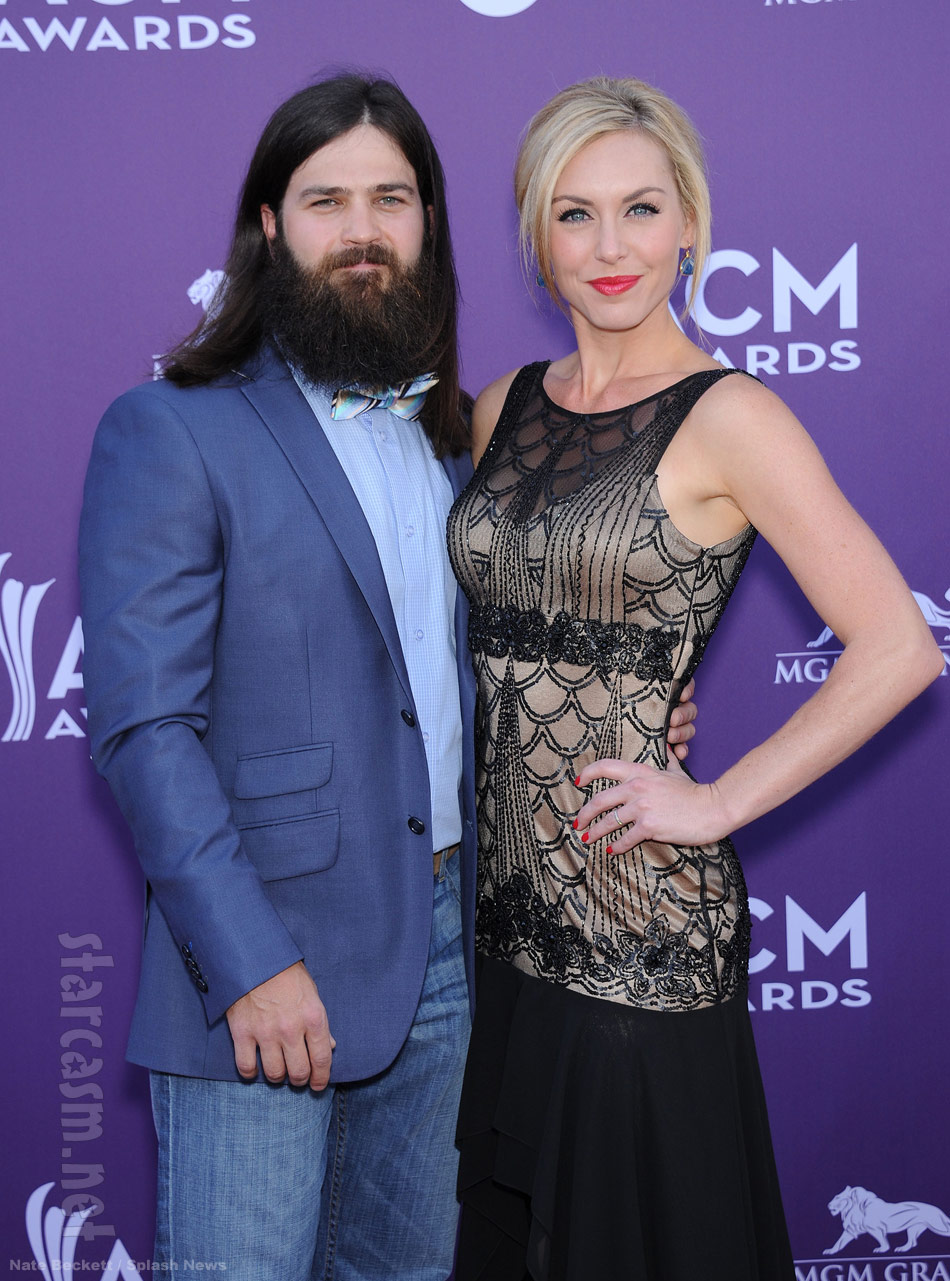 Jessica Robertson looks lovely on the ACM Awards red carpet
