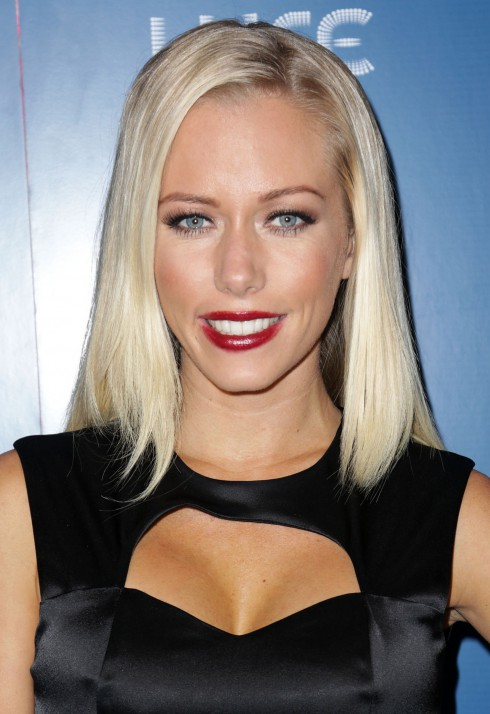 Kendra Wilkinson attends the official AMA After Party at Avalon hosted by the Hollywood agency and US Weekly at Lure in Los Angeles, California, United States.