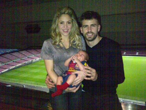 Shakira and Gerard Pique pose for Twitter photo with their son