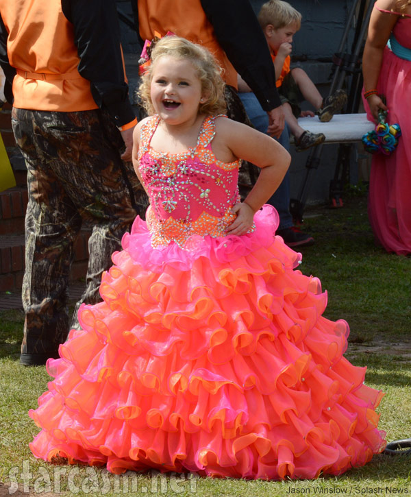 Honey boo boo 39 s mama june 39 s camo wedding dress commitment for Pink and orange wedding dresses