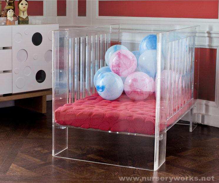 Photos Kanye And Kim Kardashian S 4 000 Acrylic Crib