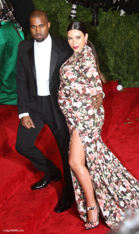 Kim Kardashian Wore A Fl Long Sleeved Givenchy Dress To The 2017 Met Gala Monday Night With Matching Shoes And Gloves That S Why She Looks Like