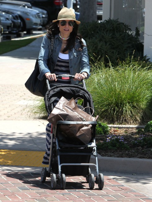 Bethenny Frankel visits Malibu Farmer's Market with her husband Jason and daughter Bryn in Los Angeles, California.