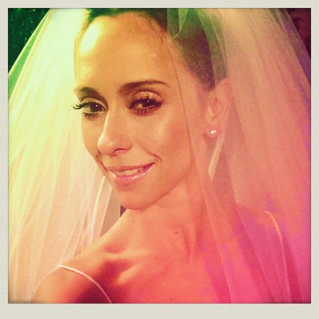 Jennifer Love Hewitt In A Wedding Dress While Filming The Client List