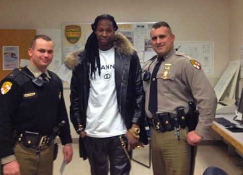 Viral photo of 2 Chainz and Maryland police officers