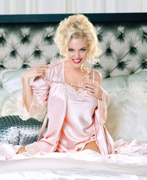 Anna Nicole Smith actress Agnes Bruckner in lingerie photo for Lifetime movie Anna Nicole