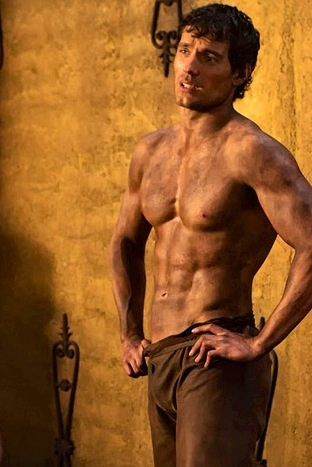 Henry Cavill Lifts Shirt to Reveal His Ripped (& Bruised