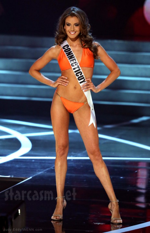 2013 Miss USA Erin Brady swimsuit competition photo Miss Connecticut
