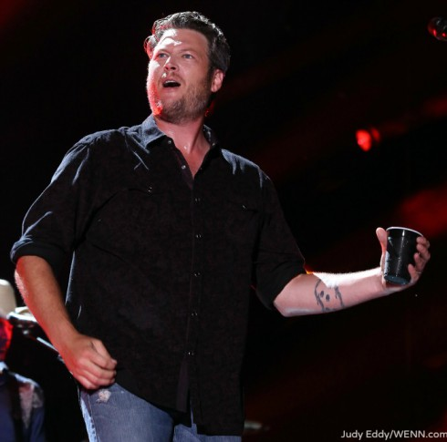Does Blake Shelton have a drinking problem?