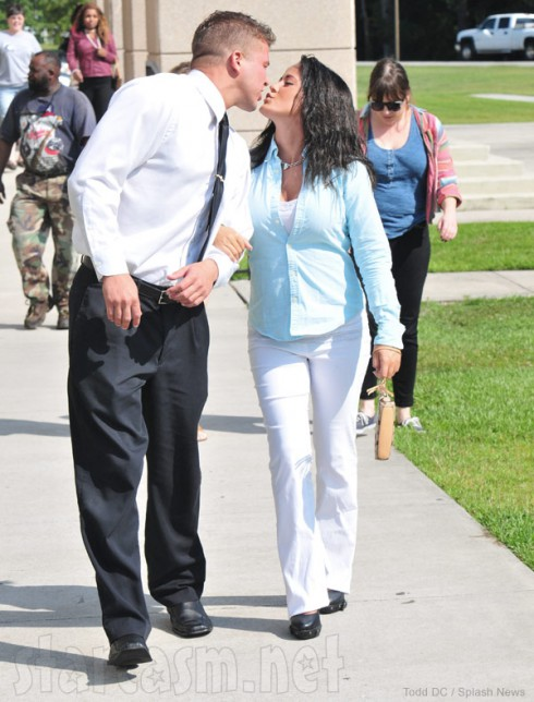 Teen Mom 2 Jenelle Evans and boyfriend Nathan Griffith kiss at courthouse