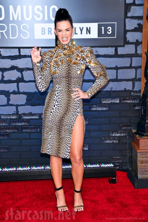 Katy Perry claw 2013 MTV Video Music Awards