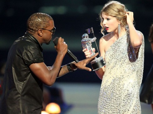 2009 VMAs Kanye West and Taylor Swift