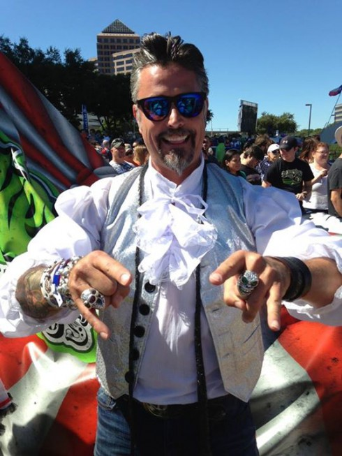 Fast N Loud Richard Rawlings flugtag flying circus costume