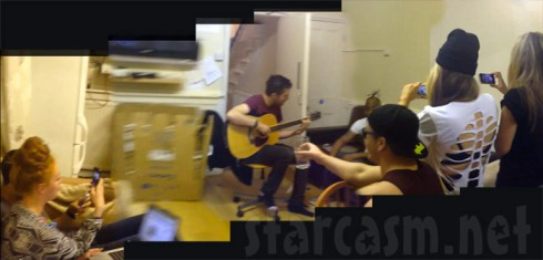 Coolio sings Gangsta's Paradise in UK students' apartment with acoustic guitar accompaniment