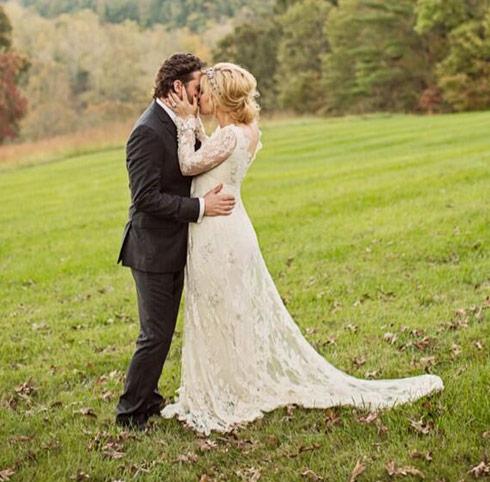 Kelly-Clarkson-weds