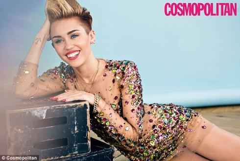 Miley-Cyrus-Cosmo-December-2013-3