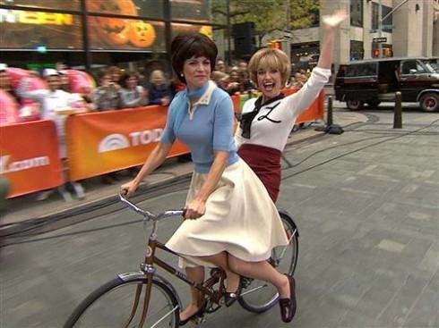 Savannah Guthrie - Natalie Morales - Laverne and Shirley - Halloween 2013