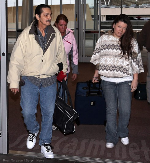 Teen Mom Amber Portwood reunits with her dad Shawn Portwood Sr at the airport after she got out of prison