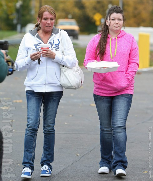 Teen Mom amber Portwood released from prison, visits restaurant with her mom