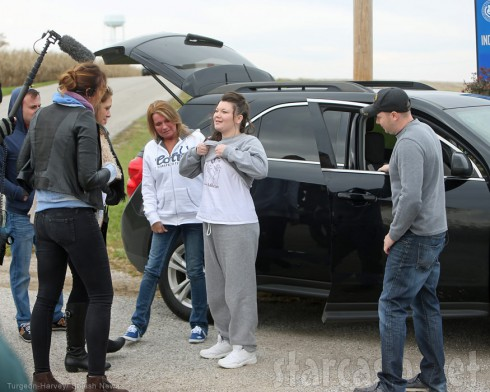 MTV camera crew films Amber Portwood's release from prison