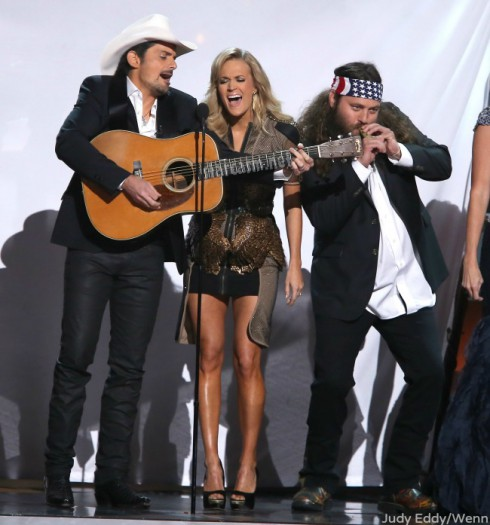 Carrie Underwood and Brad Paisley - Willie Robertson - Duck Blinds